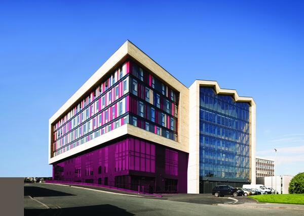 Колледж Брэдфорд (Bond Bryan Architects, Великобритания)